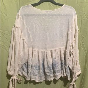 American Eagle Outfitters Tops - American Eagle white v-neck peasant top